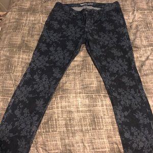 Old Navy Rockstar Jean w/ Pattern